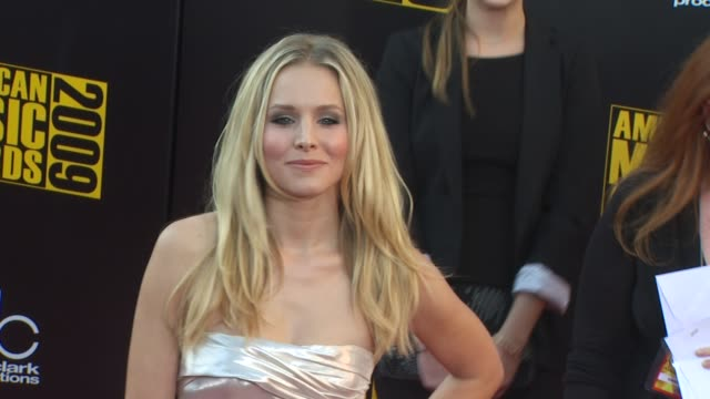 kristen bell at the 2009 american music awards arrivals at los angeles ca - kristen bell stock videos and b-roll footage