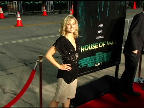 kristen bell at the 'house of wax' premiere on april 26 2005 - kristen bell stock videos and b-roll footage
