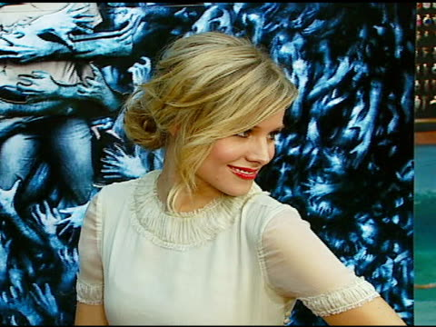 kristen bell at the 'pulse' los angeles premiere at arclight cinemas in hollywood california on august 10 2006 - kristen bell stock videos and b-roll footage
