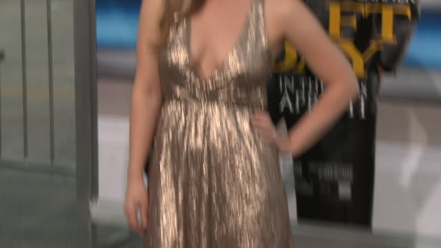 vídeos de stock e filmes b-roll de kristen quintrall at draft day los angeles premiere at regency village theatre on april 07 2014 in westwood california - regency village theater