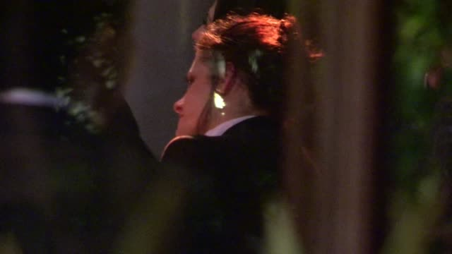 vidéos et rushes de kristen stewart at napa valley grille at westwood village in los angeles 05/29/12 kristen stewart at napa valley grille at westwood on may 29 2012 in... - westwood village