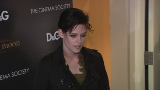 kristen stewart at the the cinema society dg host a screening of 'the twilight saga new moon' at new york ny - kristen stewart stock videos and b-roll footage