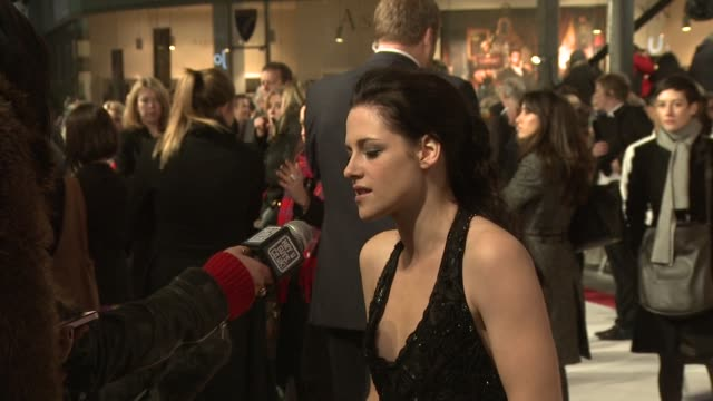kristen stewart at the the twilight saga breaking dawn part 1 uk premiere at london england. - twilight stock videos & royalty-free footage