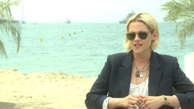 INTERVIEW Kristen Stewart on her character Maureen's use of texting in the movie 'Personal Shopper at 'Personal Shopper' Interview at Majestic Beach...