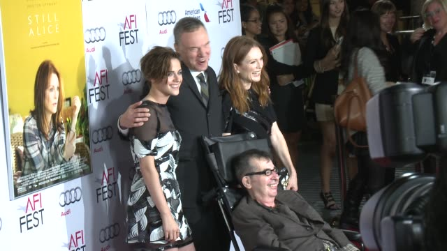 stockvideo's en b-roll-footage met kristen stewart wash westmoreland julianne moore and richard glatzer at afi fest 2014 presented by audi still alice premiere at dolby theatre on... - dolby theatre