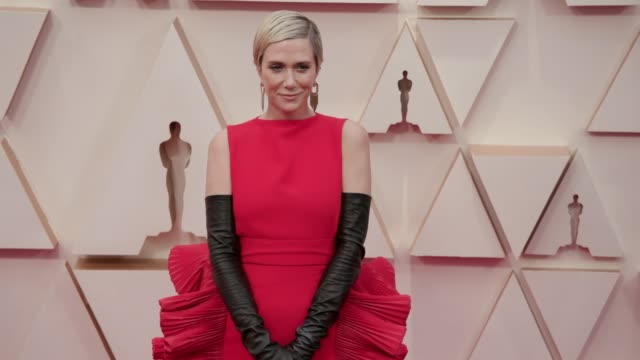vídeos de stock, filmes e b-roll de kristen wiig at the 92nd annual academy awards at dolby theatre on february 09 2020 in hollywood california - kristen wiig