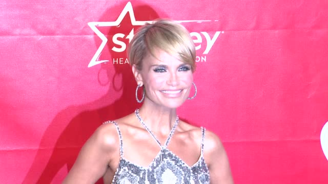 kristin chenoweth at 2014 musicares person of the year honoring carole king at los angeles convention center on in los angeles california - musicares foundation stock videos & royalty-free footage