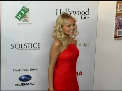 vidéos et rushes de kristin chenoweth at the hollywood life magazine's breakthrough of the year awards at the henry fonda theatre in hollywood, california on december 4,... - henry fonda theatre