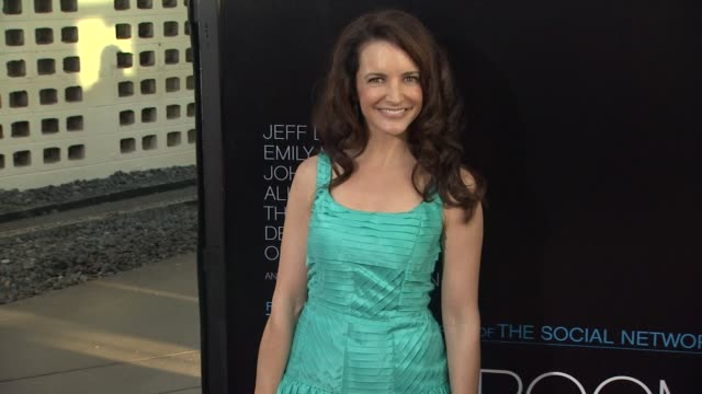 vídeos y material grabado en eventos de stock de kristin davis at hbo's 'the newsroom' premiere at arclight cinemas kristin davis at arclight cinemas cinerama dome on june 20 2012 in hollywood... - cinerama dome hollywood