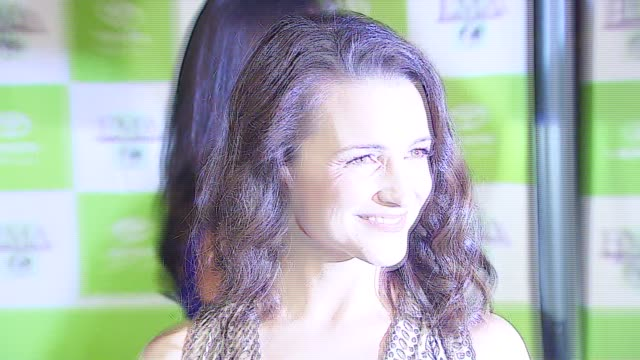 kristin davis at the 16th annual environmental media awards at ebell theater in los angeles, california on november 8, 2006. - environmental media awards stock-videos und b-roll-filmmaterial