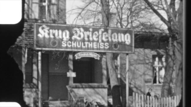 stockvideo's en b-roll-footage met krug brieselang is a popular restaurant destination near berlin people walking to the restaurant drinking there go for a walk shot at brieselang... - 1942