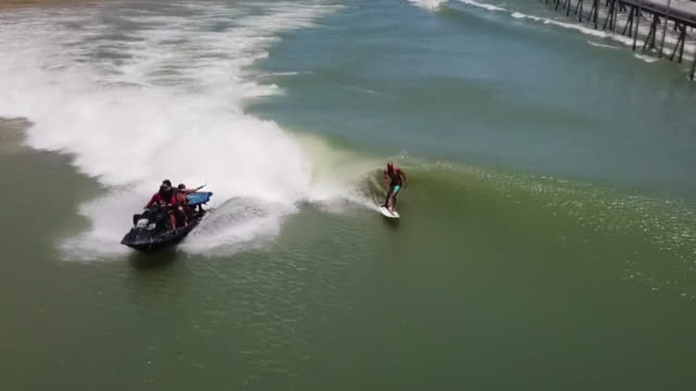 drone povkelly slater surfing at rusty's surf ranch - ranch stock videos & royalty-free footage