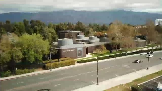 Drone POV Norton Simon Museum