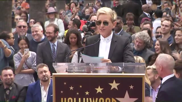 vídeos y material grabado en eventos de stock de ktlaellen degeneres at 'n sync's hollywood walk of fame ceremony - ellen degeneres