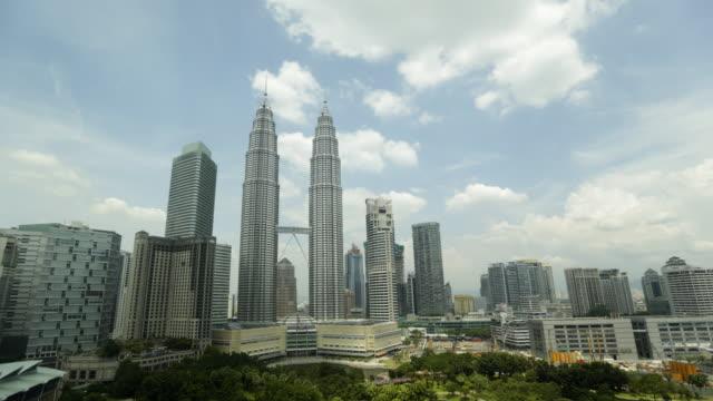 vídeos de stock, filmes e b-roll de ws tl kuala lumpur cityscape timelapse - malaysian culture