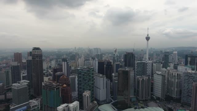 vidéos et rushes de de kuala lumpur - tour menara kl