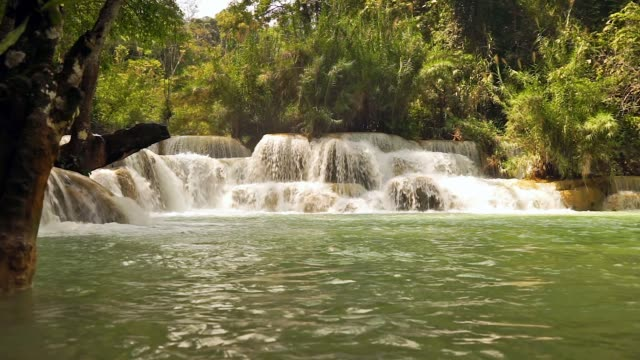 クァンの滝、ルアンパバーン、ラオス