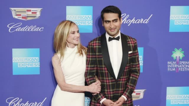 vidéos et rushes de kumail nanjiani and holly hunter at the 29th annual palm springs international film festival awards gala at palm springs convention center on january... - holly hunter