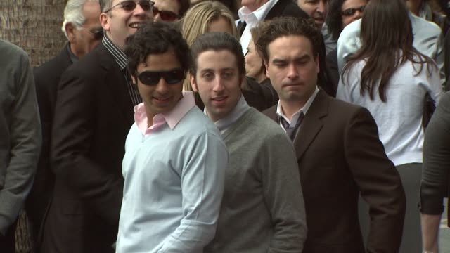 kunal nayyar simon helberg johnny galecki at the chuck lorre receives a star on the hollywood walk of fame at los angeles ca - simon helberg stock videos and b-roll footage