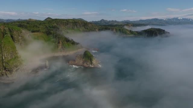 kunashir island (kuril islands) - küstenlandschaft stock-videos und b-roll-filmmaterial