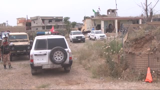 kurdish and turkmen shiite forces seen after they recaptured the northern iraqi town of bashir from daesh militats on may 1, 2016. turkoman units... - isil konflikt stock-videos und b-roll-filmmaterial