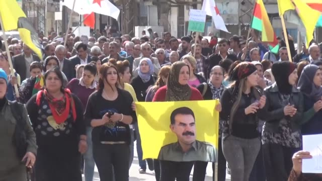 Kurds protested Monday in Qamishli Syria against the arrest of a number of Kurdish politicians in Turkey on accusations of links to Kurdish...