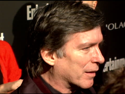 kurt loder at the entertainment weekly's viewing party for 2006 academy awards at elaine's in new york, new york on march 5, 2006. - エンターテインメント・ウィークリー点の映像素材/bロール