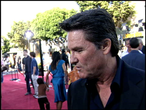 Kurt Russell at the Dreamer Premiere on October 9 2005