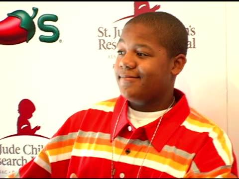 kyle massey at the chili's create a pepper to benefit st jude children's research hospital at chili's restaurant in westwood california on august 31... - chili's grill & bar stock videos and b-roll footage