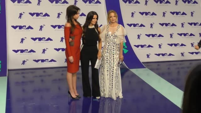 kyle richards jennifer bartels and mena suvari at the 2017 mtv video music awards at the forum on august 27 2017 in inglewood california - inglewood stock videos & royalty-free footage