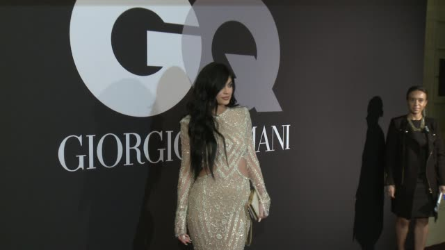 vídeos de stock e filmes b-roll de kylie jenner at gq celebrates the grammys with giorgio armani at hollywood athletic club on february 08, 2015 in hollywood, california. - 2015