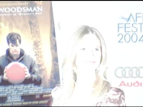 vídeos y material grabado en eventos de stock de kyra sedgwick at the 'the woodsman' us premiere at the afi film festival at arclight cinemas in hollywood, california on november 5, 2004. - arclight cinemas hollywood