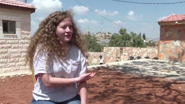 la adolescente palestina ahed tamimi dijo el lunes haber cambiado mucho por los ocho meses que permanecio en prision por golpear a dos soldados... - palestinian stock videos & royalty-free footage