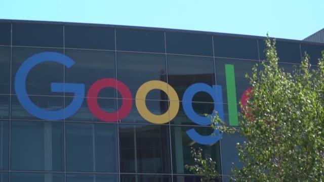 la autoridad francesa de la competencia impuso el viernes una multa de 150 millones de euros a google por abuso de posicion dominante en la... - google stock videos & royalty-free footage