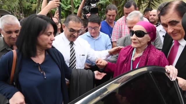 la bailarina cubana alicia alonso de 96 anos recibio el miercoles un doctorado honoris causa de la universidad de costa rica por su papel como... - bailarina stock videos & royalty-free footage