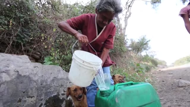 la búsqueda de agua es un problema crucial en muchos países del planeta - planeta stock videos & royalty-free footage
