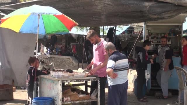 la calma reinaba el jueves en la ciudad siria de alepo tras la entrada en vigor de una tregua acordada por estados unidos y rusia y aceptada por el... - entrada stock videos and b-roll footage