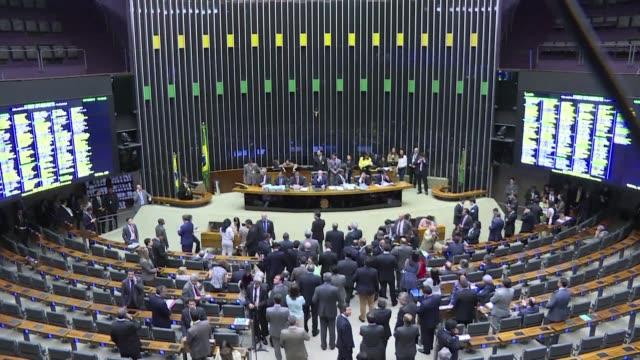 la camara de diputados de brasil inicio oficialmente el jueves el proceso de juicio politico contra la presidenta dilma rousseff - congreso stock videos and b-roll footage