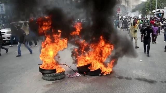 la cancelacion el viernes por razones de seguridad de la segunda ronda de las elecciones presidenciales en haiti que estaban programdas para el... - politica stock videos & royalty-free footage