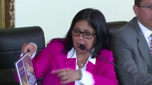 la canciller venezolana informo este jueves que su pais denunciara ante las naciones unidas un supuesto engano de presidente de guyana sobre la... - naciones unidas stock videos & royalty-free footage