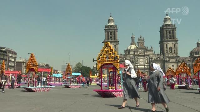 la ciudad de méxico celebra el tradicional día de muertos con una explosion de colores los días 1 y 2 de noviembre - día stock videos & royalty-free footage