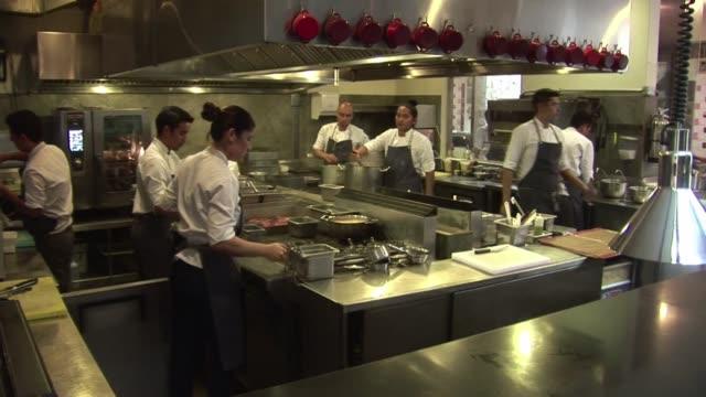 la cocina peruana se consolida en las grandes ligas de la gastronomia mundial con el restaurante central nominado como el cuarto mejor del mundo por... - restaurante stock videos & royalty-free footage