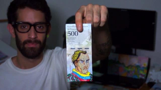 la devaluacion del bolivar hace que muchos venezolanos se desprendan de los billetes por su bajo valor - devaluation stock videos & royalty-free footage