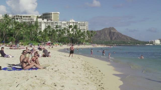 La falsa alarma de un misil balistico aproximandose hacia Hawai alerto el sabado a los ciudadanos y obligo a las autoridades a desmentir la amenaza...