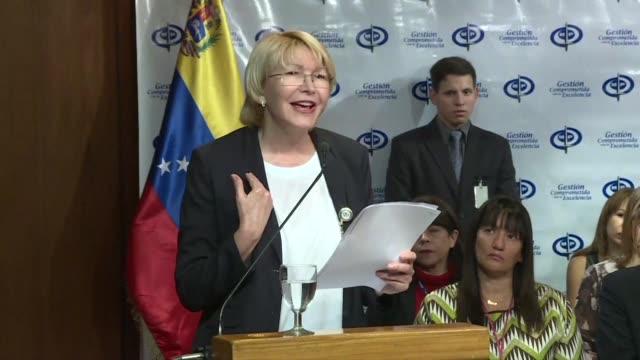 la fiscal general de venezuela luisa ortega condeno el martes la violencia desbordada en el pais que ha dejado 26 muertos en un mes de... - guerra civil stock videos and b-roll footage