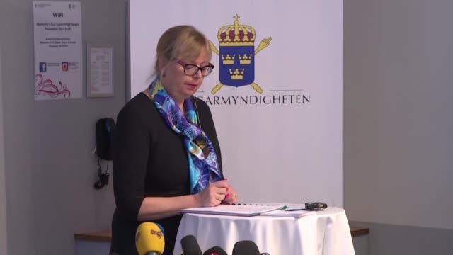 vídeos de stock, filmes e b-roll de la fiscalía sueca anuncio el martes que abandona el caso por violacion contra julian assange fundador de wikileaks acusado por una mujer de una... - fundador