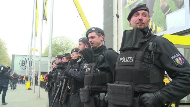 stockvideo's en b-roll-footage met la fiscalia federal alemana informo el martes de la detencion de un hombre relacionado con el islamismo en el marco de la investigacion sobre el... - borussia dortmund