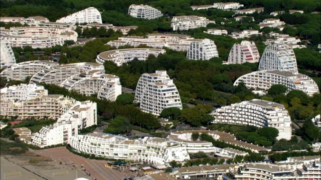 ルグランモット-航空写真-ラングドックルーション、hérault、区 モンペリエ,フランス - モンペリエ点の映像素材/bロール