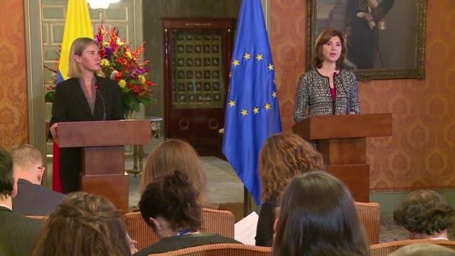 vídeos y material grabado en eventos de stock de la jefa de la diplomacia europea federica mogherini estimo el jueves que colombia necesita lideres valientes y con coraje para hacer la paz despues... - diplomacia