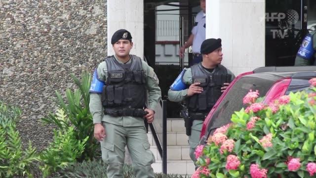 la justicia panamena registro las oficinas del despacho de abogados mossack fonseca en el centro del escandalo de los panama papers poco antes de una... - oeec video stock e b–roll
